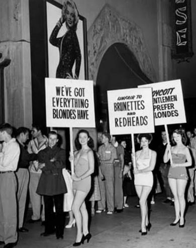 brunettes-protesting